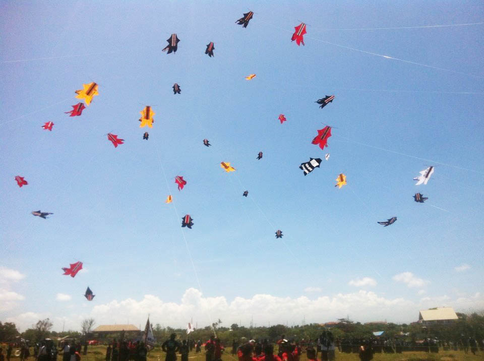 Playing Kites Tradition Let S Enjoy Special Tours Adventure