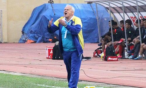 Sự thành công của vị huấn luyện viên cũ, Petrovic luôn là nỗi ám ảnh của ông Mihail