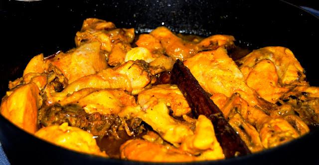 Tajín de Pollo con Orejones de Albaricoque y Piñones