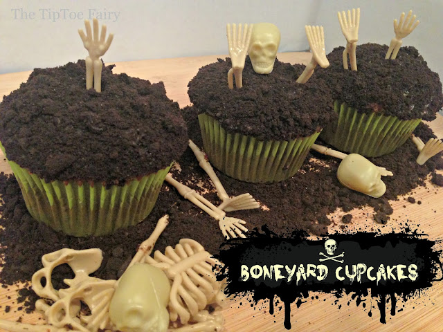 Boneyard Cupcakes - perfect for Halloween parties! | The TipToe Fairy