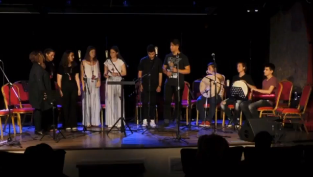 Εντυπωσιακό το Παραδοσιακό Σύνολο του Μουσικού σχολείου Αργολίδας (βίντεο)