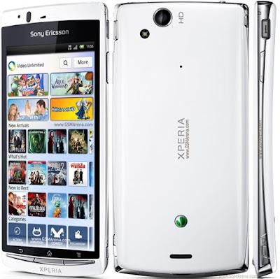 Spesifikasi Sony Xperia Ray                    Sobat gadget yang suka bermain games di ponsel, Sony Ericsson ST18i Xperia Ray memberikan tampilan Games yang cukup menawan. Menurut saya bermain games di ponsel Sony Ericcson seperti bermain games di PlayStation kerena dari segi tampilan mirip sekali.     Dulu memang Sony Ericcson menjadi favorit masyarakat Indonesia. Tapi, seiring perkembangan zaman sering kita menjumpai ponsel atau smartphone baru yuang bermunculan dan harganya lebih relatif murah dari Sony Ericcson.     Mungkin kini Sobat gadget jarang menemui orang atau kerabat yang memakai ponsel canggih ini, Tapi, dengan adanya tulisan ini saya kembali mengingatkan kembali bahwa Sony Ericsson masih layak untuk dipertimbangkan menjadi genggaman keren ditangan Sobat gadget.  Kelebihan   Layar pada Sony Xperia Ray menggunakan layar dengan tipe LED Backlit LCD serta capacitive touchscreen yang membuatnya nyaman saat digunakan.  Sementara untuk pelindung layarnya telah dilapisi dengan Scratch Resistant Glass dan Sony Mobile BRAVIA Engine yang mampu melindungi layar dari goresan yang tidak di inginkan.  Sistem operasi yang dipakai berbasis Android versi Ginggerbread yang dapat di upgrade ke Android 4.0 ICS (Ice Cream Sandwich).  Sementara pada dapur pacunya sendiri dibekali dengan prosesor Scorpion dengan kecepatan 1 GHz.  Untuk media penyimpanan data atau