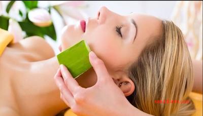 cara menghilangkan bekas luka di wajah dengan lidah buaya