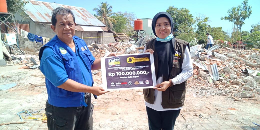 Radio Dakta Donasikan 100 Juta Untuk Pembangunan Masjid di Lombok