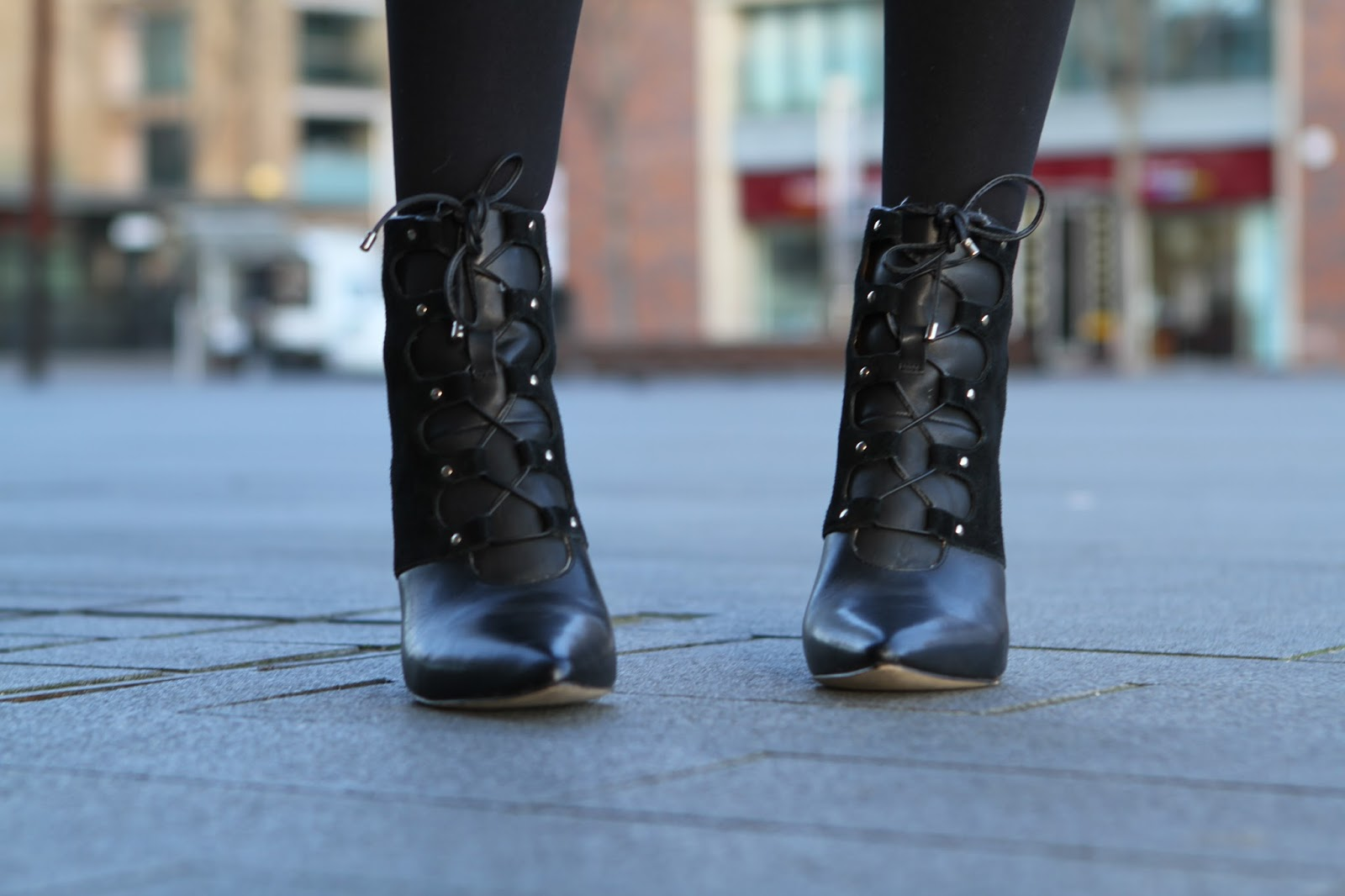POINTED LACE UP LEATHER SUEDE BOOTS