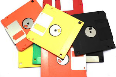 Perangkat Keras Floppy Disk (Disket)