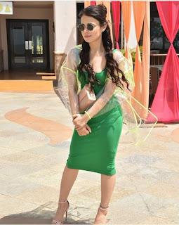 Radhika Madan Biography, Age, Height, Weight, Boyfriend, Family, Wiki, Images & More.