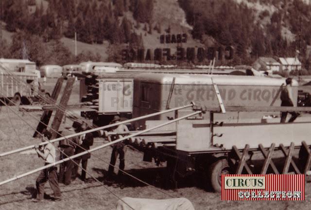 les camions du cirques sont déchargés