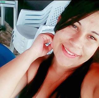 Jovem morre ao sofrer choque usando escova elétrica de cabelo no CE, diz família