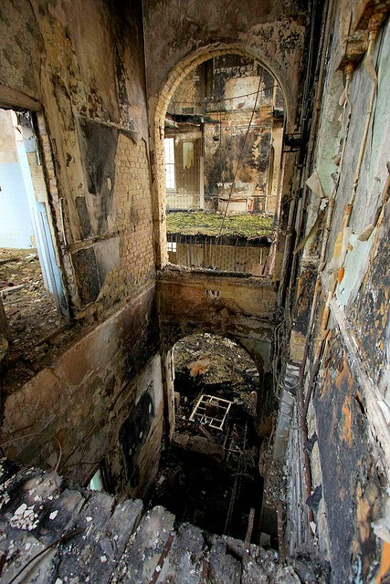 Cane Hill Asylum, United Kingdom | 10 Scariest Abandoned Hospitals in the world