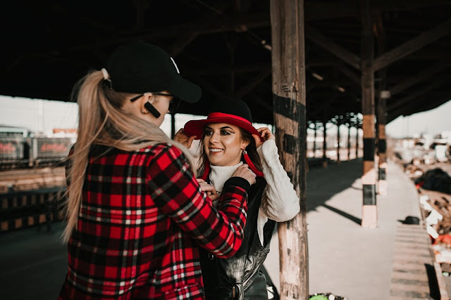Osobista stylistka - stylizacja podczas sesji zdjęciowej - Olsztyn.