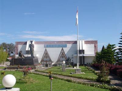 Yuk Wisata ke TB Silalahi Center, Bangunan Megah di Pinggiran Danau Toba