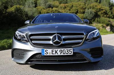 Mercedes-Benz E-Class front headlight hd image