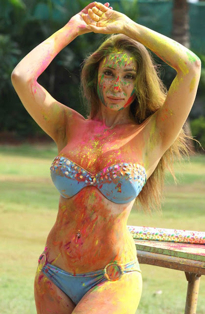 Bollywood Indian model Sofia Hayat s Holi 2015 Hot exposing cleavage Photoshoot stills