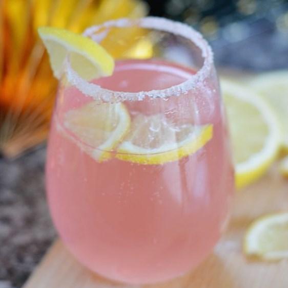 Pink Lemonade Moscato #Lemonade #Drink