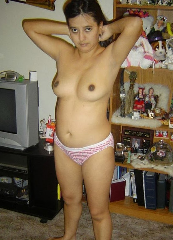 Nagpur Modern Aunty Nude Boobs Photo