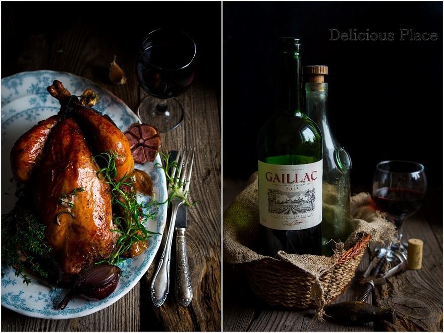 Kurczak pieczony w winie z czosnkiem i ziołami