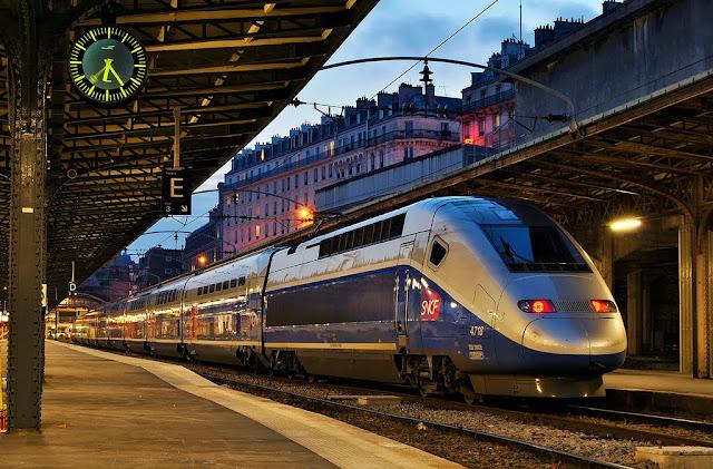 jak podróżować po Francji