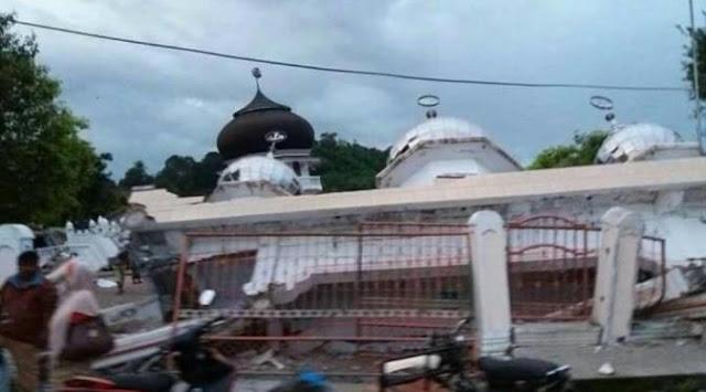 Gempa Aceh Tewaskan 92 Orang