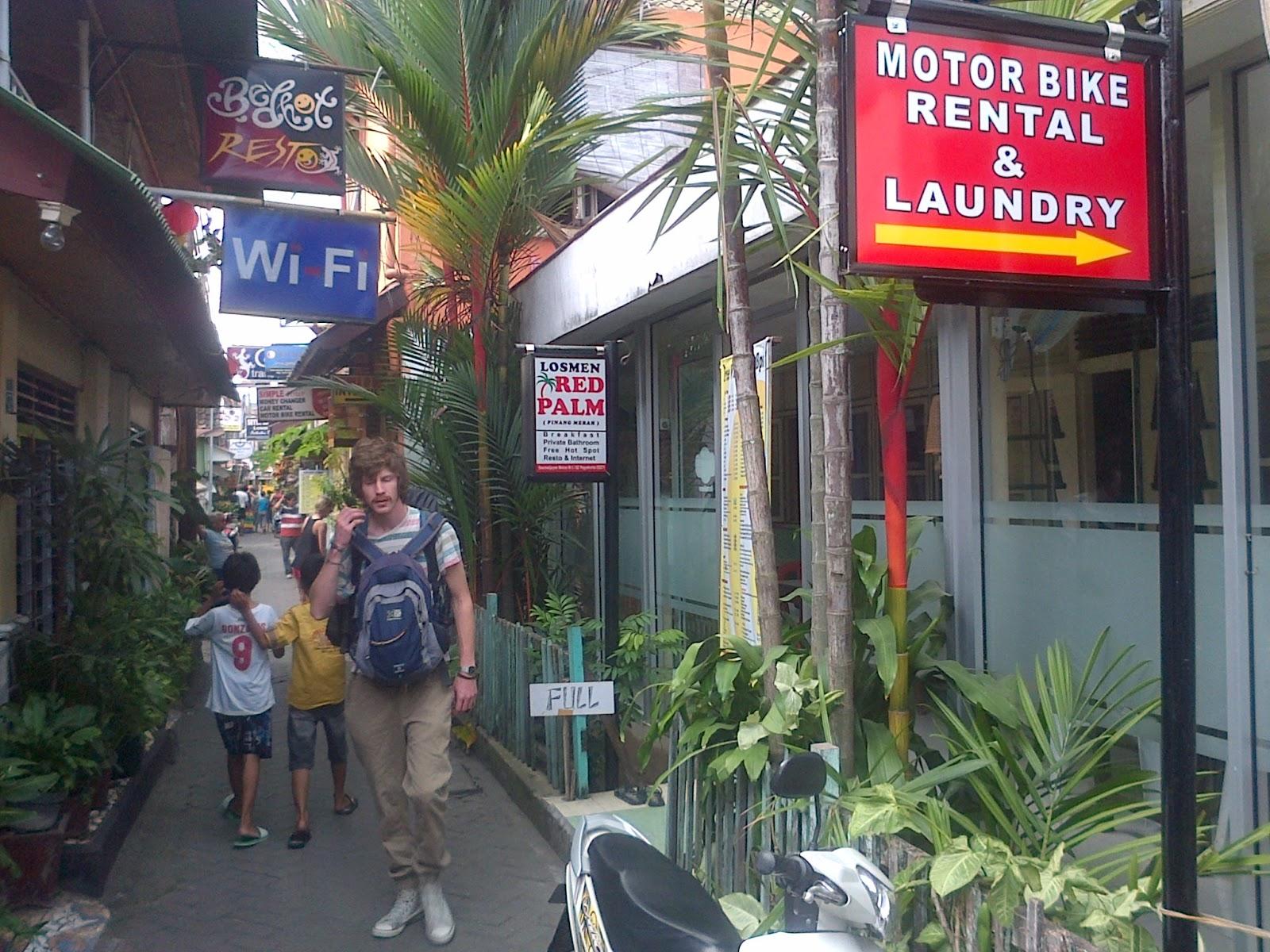 LOSMEN PENGINAPAN HOMESTAY MURAH DI JOGJA RED PALM Losmen DAERAH MALIOBORO Alamat Sosrowijayan Wetan GT I 62 Yogyakarta