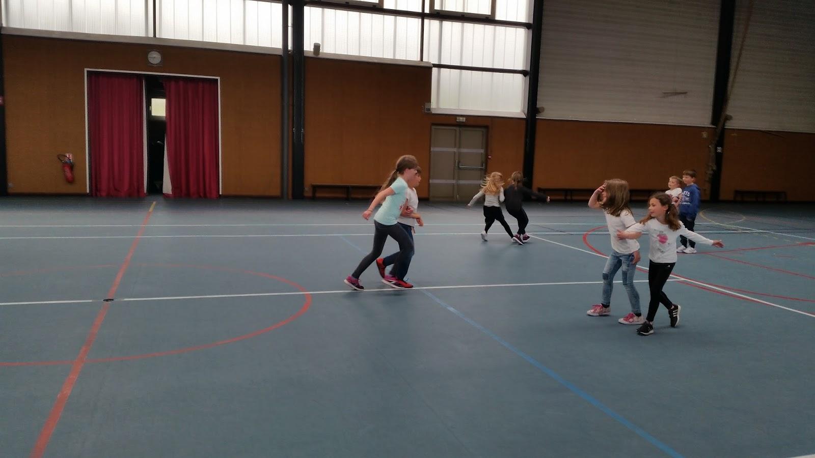 Association eclos entrange les jeux collectifs revisit s for Jeu sportif exterieur