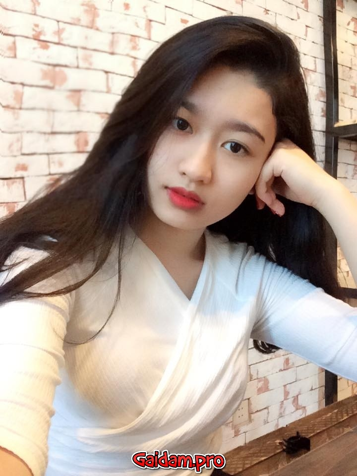 Gaigoisv-Trang Nhung xinh trắng nõn nà