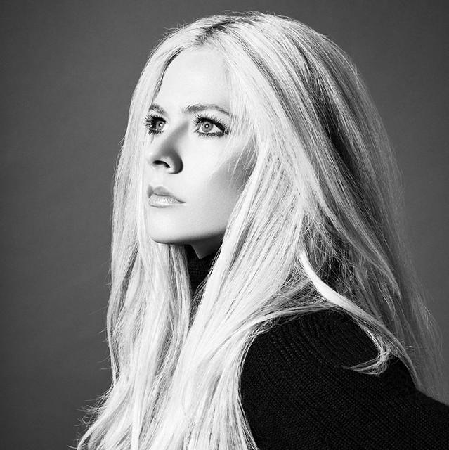 Avril Lavigne feat. Nicki Minaj - Dumb Blonde (Audio)