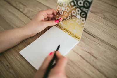 Pisanie w złotym notesie; planowanie nauki języka, Rosja, gramatyka i słówka
