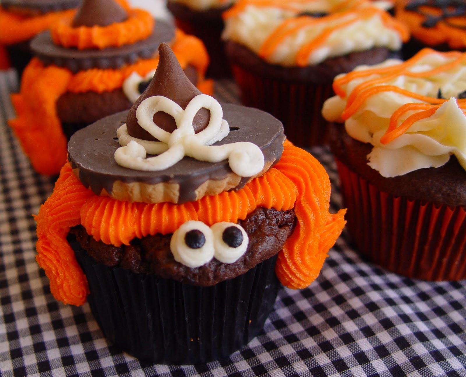 Spook tacular halloween cupcakes - Halloween decorations for cupcakes ...