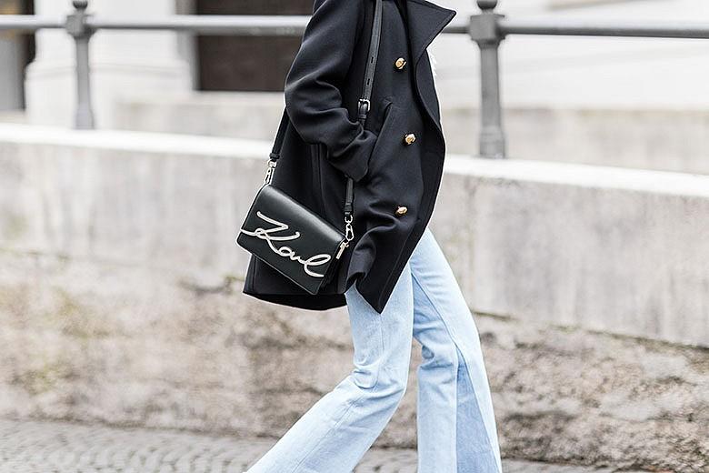 streetstyle-sac-signature-Karl-Lagerfeld