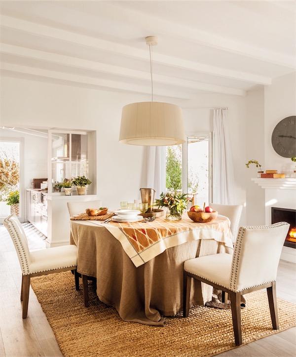 mesa de comedor con sillas tapizadas chicanddeco