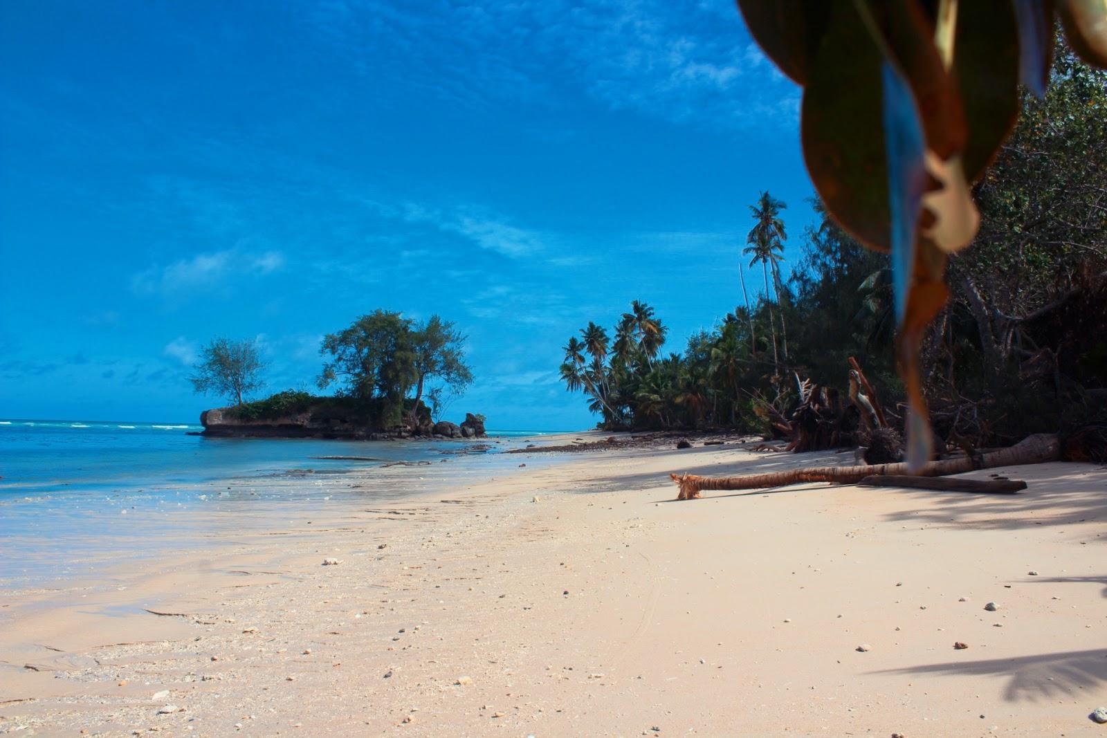 Kora Evar Beach Wisata Alam Di Aru Pantai Batu Kora