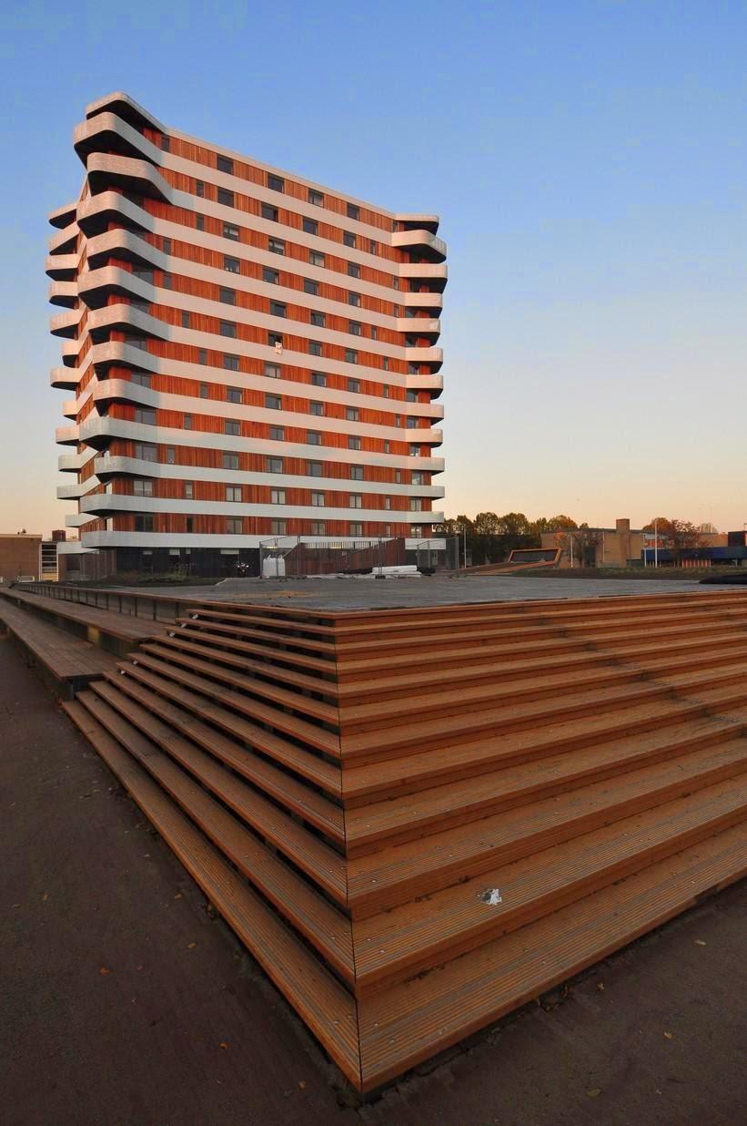 Casa balcone das andere for Piani di casa con spazi di vita all aperto
