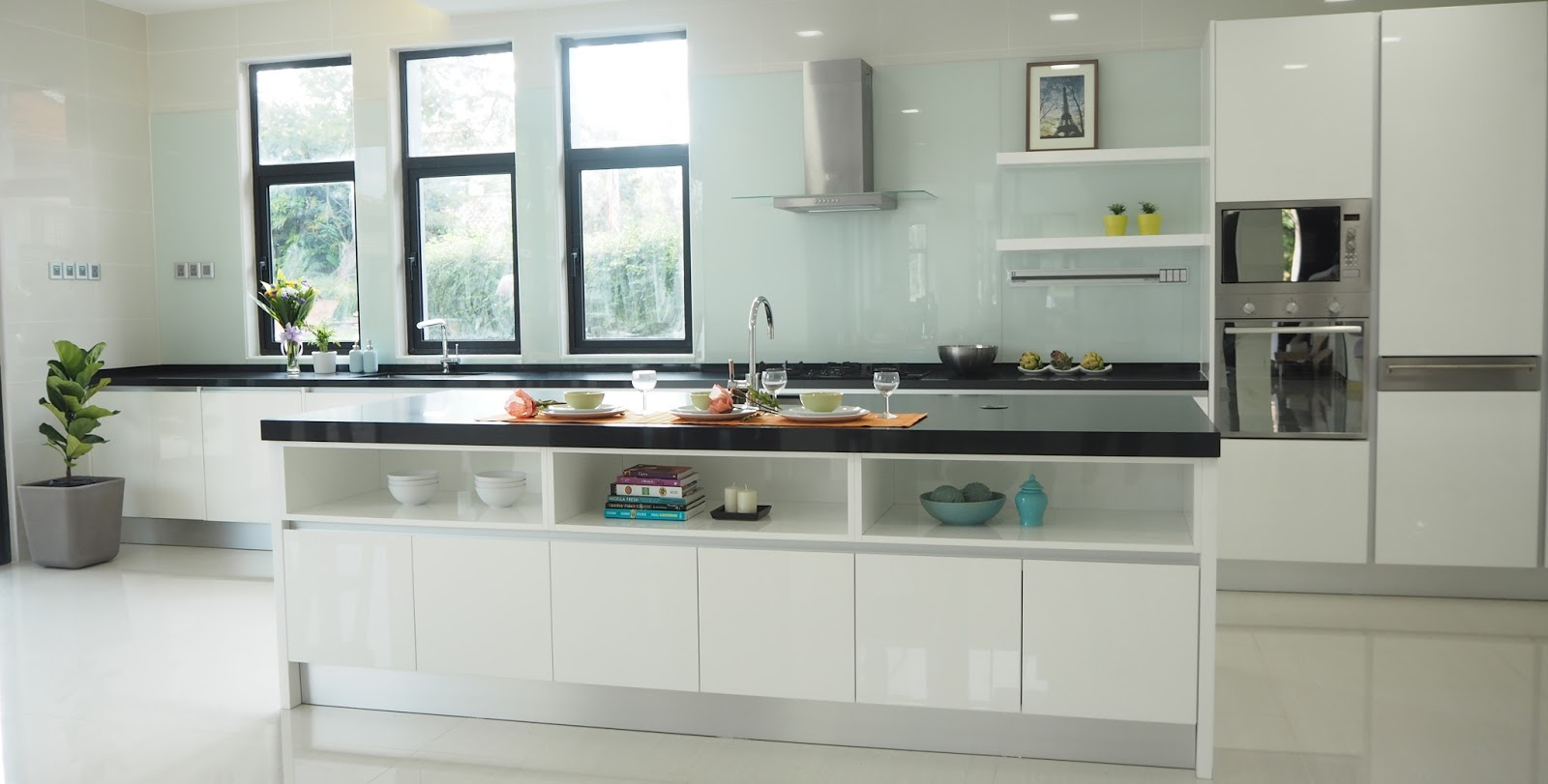 Meridian interior design and kitchen design in kuala for Linear kitchen design