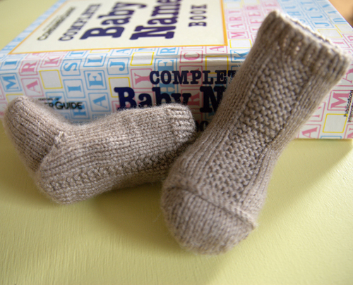 Garter Stripe Baby Socks - Free Pattern