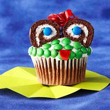 Рецепты выпечки на Хэллоуин, «Атака пауков» — имбирное печенье с шоколадом, Быстрая пицца «Дракула» на Хэллоуин, Быстрое шоколадно-овсяное печенье без выпечки, Десерт «Выколотые глаза» из мороженого, «Дом с привидениями» — пряничный домик Хэллоуин, Каннибал-печенье «Глаз» из воздушного риса, Кексы в паутине на Хэллоуин, Маффины «Веселая тыква» с шоколадной начинкой, Меренги-привидения на Хэллоуин, Мини-тортик «Ведьмина тыква», «Мозговые» кексы с глазурью, «Мумия» — сосиски в тесте, «Ноги гоблина» — печенье без выпечки, Ночь ожившего хлеба, «Пальцы гоблина» — печенье на Хэллоуин, Паучья пицца на Хэллоуин, Песочное печенье-скелетики, Печенье «Вуду» на Хэллоуин, Печенье на Хэллоуин Chocolate Chip, Печенье «Пальцы ведьмы», Печенье «Пальцы ведьмы» с шоколадом, Печенье «Привидения» с помадкой, Печенье со сливой «Сердечки», Пирожные «Паучок» без выпечки, Сахарные косточки и забавные привидения на Хэллоуин, «Сахарные тыквы» — печенье с глазурью, «Скелетики» — шоколадное печенье, Сладкий ужас. Идеи оформления тортов на Хэллоуин, Слойки «Тыковка на палочке», Сырный торт с шоколадными батончиками «Марс» на Хэллоуин, «Черная кошка» из печенья и шоколада, Шоколадные кексы с паутиной, Шоколадные мышки — пирожные без выпечки, Кошмарное меню на Хэллоуин или Кухня ведьмы (выпечка), Хэллоуин, блюда на Хэллоуин, рецепты на Хэллоуин, праздничные блюда, оформление блюд на Хэллоуин, праздничный стол на Хэллоуин, блюда-монстры, меренги, безе, сладости, сладости на Хэллоуин, десерты на Хэллоуин, блюда мз яиц, блюда из белков, печенье на Хэллоуин, торты на Хэллоуин, пирожные на Хэллоуин, пицца на Хэллоуин, выпечка на Хэллоуин, http://prazdnichnymir.ru/, Кошмарное меню на Хэллоуин или Кухня ведьмы (выпечка), Хэллоуин, блюда на Хэллоуин, рецепты на Хэллоуин, праздничные блюда, оформление блюд на Хэллоуин, праздничный стол на Хэллоуин, блюда-монстры, меренги, безе, сладости, сладости на Хэллоуин, десерты на Хэллоуин, блюда мз яиц, блюда из белков, печенье на Хэллоуин, торты на Хэллоуин, пирожн