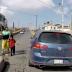 Aterrador momento en que niño es arrollado por un auto y conductor se da a la fuga [VIDEO]