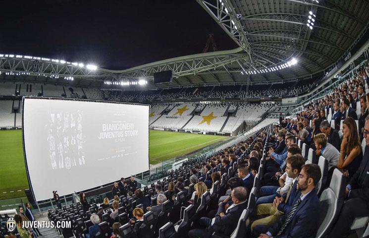 Predpremijera filma o Staroj dami na Juventus stadionu