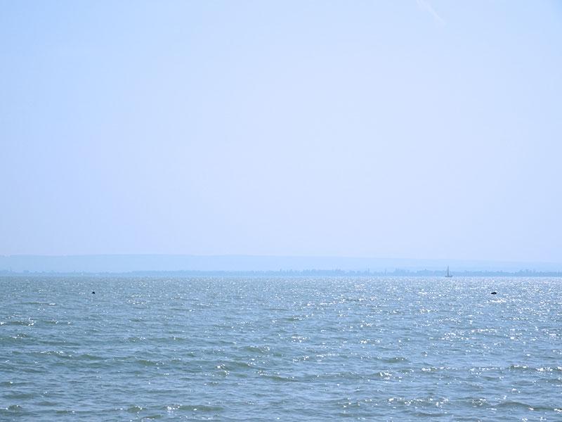 Badacsony_Beach_Mountain_Rozsako_Borbaratok_Balaton_Hungarian_Sea