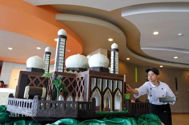 Perlukah Menghias Masjid Di hari hari Raya Islam?