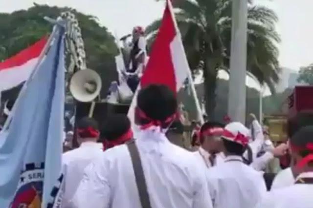 Tak Diliput Media, Ratusan Karyawan Pertamina Demo di Istana, Pernyataan Jokowi Menyesatkan