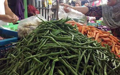 Ambon, Malukupost.com - Harga berbagai jenis sayuran di pasar tradisional Kota Ambon, Maluku, memasuki hari pertama bulan puasa masih normal, kecuali buncis yang bergerak naik hingga mencapai Rp40.000/kg.