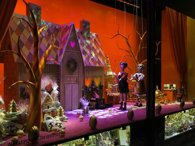 Green Pear Diaries, escaparates, visual merchandising, navidad, Harrods, Once Upon a Christmas