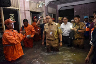 Atasi Banjir, Anies bakal gusur rumah warga bantaran kali di Jati Padang