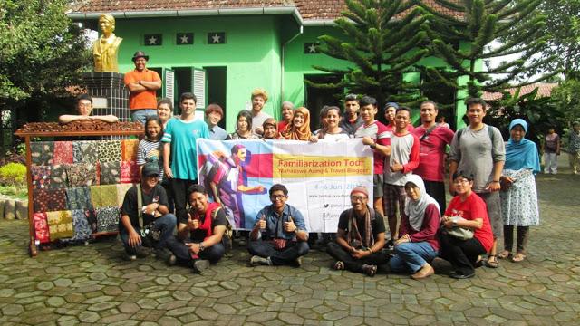 Foto bersama di depan Museum Sudirman, Magelang