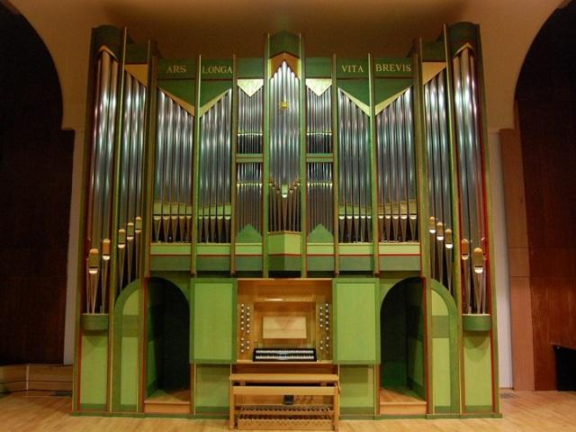 Gambar & Video Alat Musik Orgel Sering Dipakai Gereja Memiliki Nada Indah Dan Unik