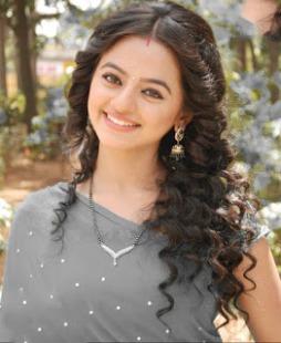 Biodata Helly Shah Pemeran Swara