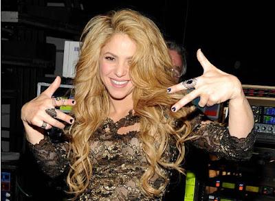 Shakira unida a su espso e hijos