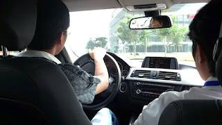thi bằng lái xe ô tô ngoài đường trường