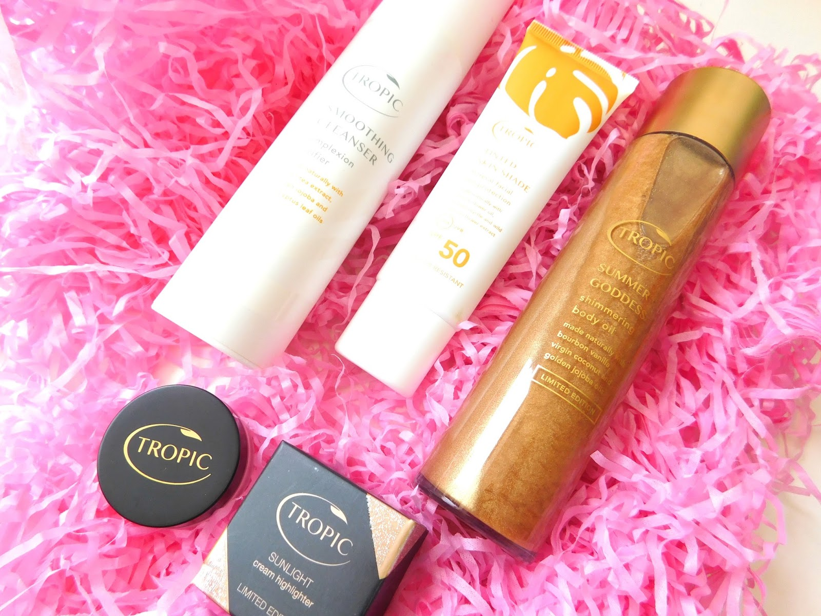 Tropic Skincare Review, Summer Products, Tinted Skin Shade, Body Oil, Cleanser, Highlighters, Giveaway